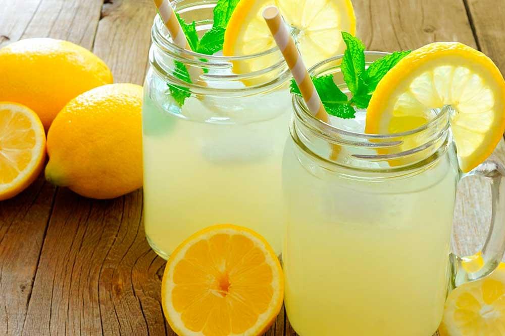 Limonada con el suero del kefir