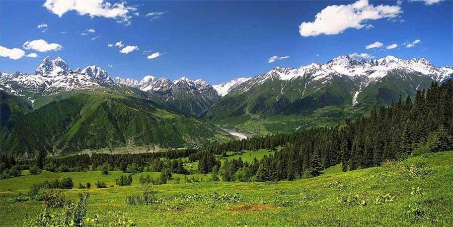Montañas del Caucaso de donde proviene el Kéfir de leche